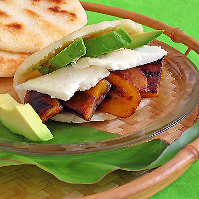 arepas with farmer s cheese or queso b la nco colombian style arepas ...