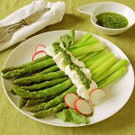Asparagus with Goat Cheese and Arugula Sauce