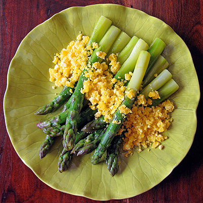 Jumbo Asparagus with Sauce Mimosa