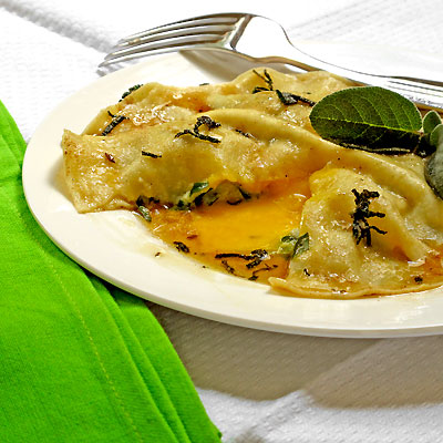 Uova da Raviolo: As Big as a Plate and Oozing with Egg - SippitySup
