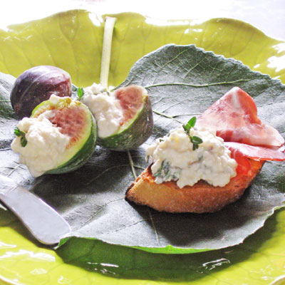 fig and feta crostini with prosciutto