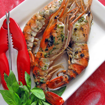 grilled prawns with basil